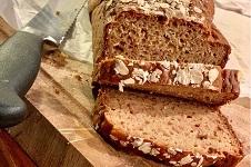 Nyttigt glutenfritt bröd med äpple